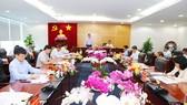 Đồng chí Phạm Minh Chính làm việc với Tỉnh ủy Bình Dương về thực hiện Chỉ thị 35- CT/TW