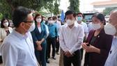Phó Thủ tướng Vũ Đức Đam kiểm tra công tác phòng chống Covid-19 tại Bình Phước.