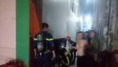 Cứu 3 người mắc kẹt trong đám cháy ở Đà Nẵng