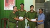 Hai chiến sĩ công an bị thương khi ngăn đối tượng bị bệnh tâm thần đe dọa giết người