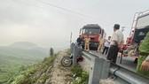 Cứu kịp thời một người bị tai nạn rơi xuống vực trên đèo Hải Vân