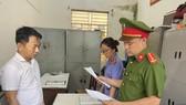 Cơ quan công an đọc quyết định bắt tạm giam đối với Mai Xuân Công
