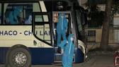2 xe chở 77 người dân Quảng Nam từ TPHCM về đến nơi vào lúc 2 giờ 30 sáng