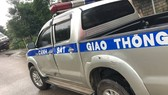 Xe khách chở pháo lậu tông móp xe CSGT khi bị truy đuổi