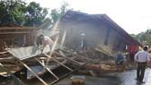 Quảng Trị: Hướng Việt tan hoang sau lũ, 2 lần thả hàng cứu trợ khẩn cấp bằng trực thăng