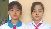 2 học sinh tìm người trả lại 5 triệu đồng phát hiện trong áo quần được tặng