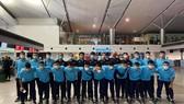 Đội tuyển futsal Việt Nam trước giờ lên đường sang UAE vào tối 15-5. Ảnh: TÚ TRẦN