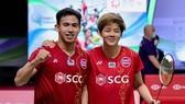 Thái Lan đặt hi vọng vào đôi nam nữ cầu lông Dechapol Puavaranukroh và Sapsiree Taerattanachai. Ảnh: Bangkok Post