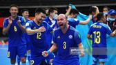 Niềm vui của các cầu thủ Kazakhstan sau màn ngược dòng ấn tượng trước Iran. Ảnh: GETTY