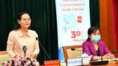 Chủ tịch HĐND TPHCM Nguyễn Thị Lệ chia sẻ kinh nghiệm cho nữ ứng cử viên ĐBQH và HĐND TPHCM. Ảnh: VIỆT DŨNG