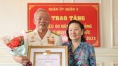 Anh hùng, thuyền trưởng Đoàn tàu không số nhận Huy hiệu 60 năm tuổi Đảng