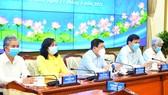 Chủ tịch UBND TPHCM Nguyễn Thành Phong phát biểu tại phiên họp. Ảnh: VIỆT DŨNG