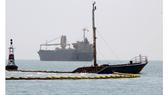 """10.000 lít dầu trên tàu chìm ở vịnh Quy Nhơn biến mất kỳ lạ, nghi có """"dầu tặc"""""""