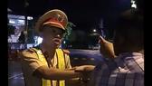 """Nhiều tình tiết bất ngờ sau vụ CSGT """"bị húc chỏ té ngã"""" ở Bình Định"""