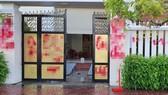 Nhà riêng của Giám thị trại giam Bộ Công an bị ném trứng thối, sơn bẩn
