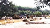 Mưa lũ chia cắt 1 xã miền núi, sạt lở nặng tại thủy điện Vĩnh Sơn 5