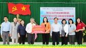 TPHCM tặng quà tết người dân Bình Định