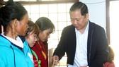 Tặng quà tết cho người dân nghèo miền núi Bình Định