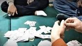 Bắt giữ đối tượng đánh bạc ăn tiền, chống người thi hành công vụ