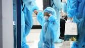 Chuyến bay đầu tiên đưa 197 công dân Bình Định từ TPHCM về quê