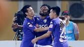 Hà Nội - Cần Thơ 4-0: Hà Nội vươn lên đầu bảng