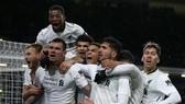 Burnley - Liverpool 1-2: Klavan tỏa sáng phút bù giờ