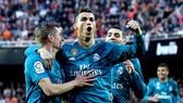 Valencia - Real Madrid 1-4: CR7 lập cú đúp trên chấm 11m