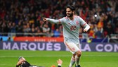 Tây Ban Nha - Argentina 6-1: Vắng Messi, Isco tàn phá Argentina