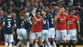 Man United - West Bromwich 0-1: Mourinho thua đội chót bảng, giúp Man City sớm vô địch