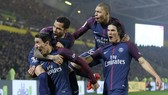 Nimes - PSG 2-4: Neymar, Di Maria, Mbappe, Cavani bộ tứ khoe tài