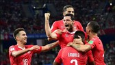 """Thụy Sĩ - Iceland 6-0: Chủ nhà 6 lần phá tan """"băng đảo"""""""
