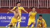 SLNA - Đà Nẵng 3-1: Thế Cường lập cú đúp, Sông Lam vào tốp 3