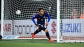 """Campuchia - Lào 3-1: """"Messi"""" Chan Vathanaka tỏa sáng tặng quà chia tay"""