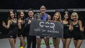 Brandon Vera hạ knock-out Mauro Cerilli bảo vệ thành công ngôi vô địch thế giới hạng nặng