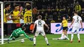 Borussia Dortmund - M'gladbach 2-1: Sancho, Reus lập công