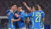 Napoli - Red Bull Salzburg 3-0: Arkadiusz Milik, Fabian tỏa sáng, Jerome Onguene phản lưới nhà