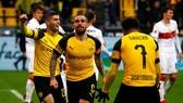 Dortmund - Stuttgart 3-1: Reus, Alcacer, Pulisic tỏa sáng nhưng Bayern soán ngôi đầu Dortmund