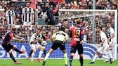 Genoa - Juventus 2-0: Sturaro, Pandev gây sốc, cắt đứt mạch 27 trận thắng của Juve