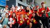"""Người hâm mộ TPHCM qua Philippines """"tiếp lửa"""" thầy trò HLV Park Hang Seo giành HCV SEA Games 30"""