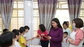 Herbalife Việt Nam tổ Chương trình Xuân Yêu Thương cho hơn 800 em trẻ