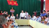 Ông Khuất Việt Hùng, Phó Chủ tịch chuyên trách Ủy ban ATGT quốc gia làm việc với huyện Đại Lộc, tỉnh Quảng Nam
