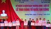 Chủ tịch Quốc hội trao Bằng Tổ quốc ghi công tới 73 thân nhân liệt sĩ tại Quảng Nam