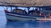 Cứu thuyền viên bị tai biến khi đang hành nghề trên vùng biển quần đảo Hoàng Sa