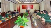 Trưởng Ban Dân vận Trung ương thăm, tặng quà cán bộ, chiến sĩ tại Quảng Nam