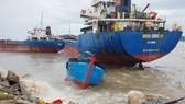 Tàu hàng mắc cạn, tàu cá bị đánh đắm