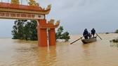 Rốn lũ Tân Ninh ngập nặng
