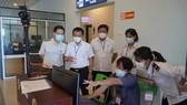 CDC Quảng Bình lắp đặt hệ thống máy đo thân nhiệt tại cảng hàng không Đồng Hới