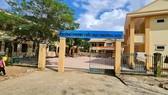 Trường học ở xã miền núi Trường Sơn, huyện Quảng Ninh, Quảng Bình, không đủ điều kiện học trực tuyến do không có điện, sóng điện thoại, internet