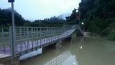 Cầu Pa Nun giúp người Rục thoát lũ ở ngầm Pa Nun