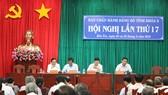 Các đại biểu tại Hội Nghị Ban Chấp hành Đảng bộ tỉnh Bến Tre lần thứ 17. Ảnh: HÀM LUÔNG